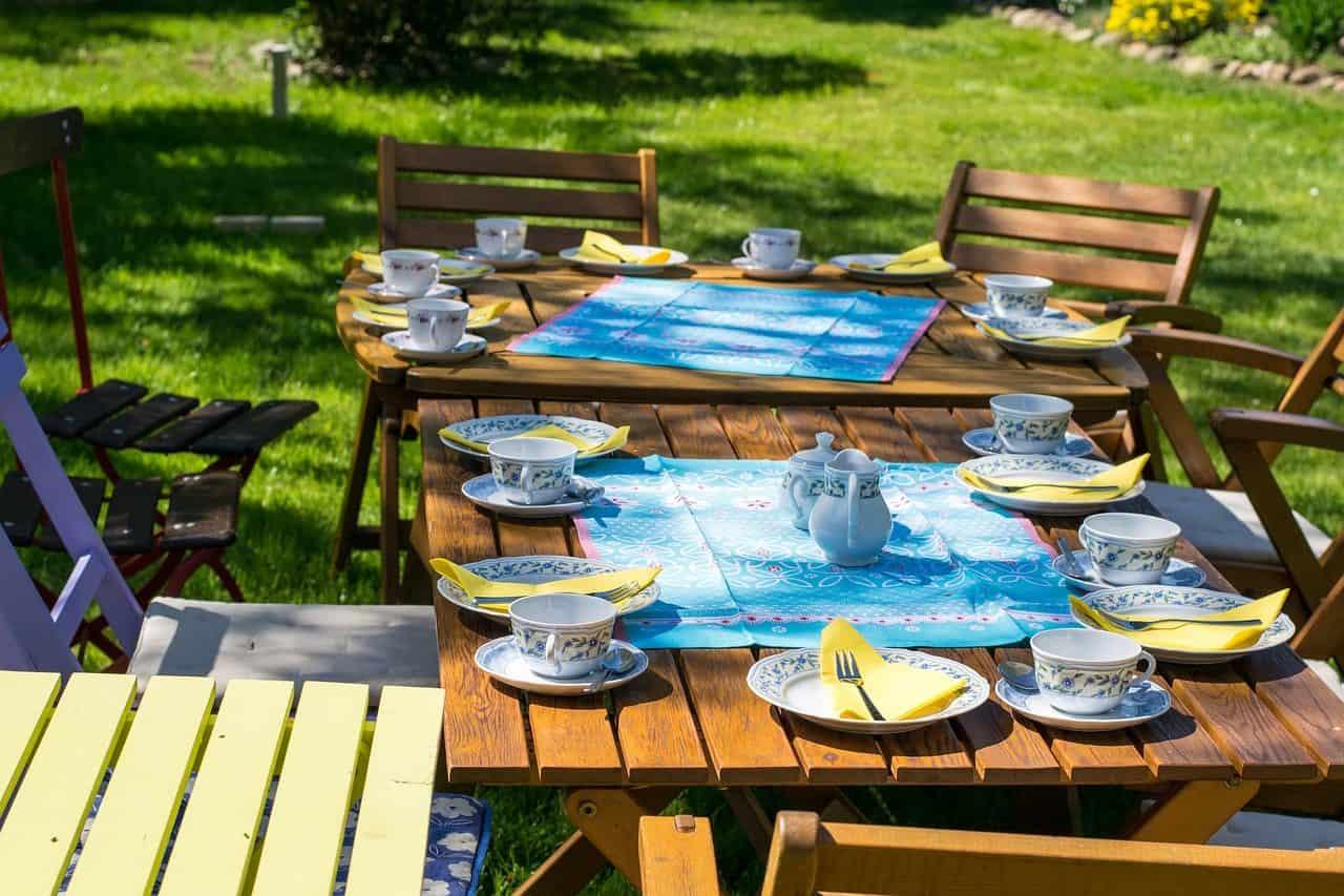 Garten-Terrasse-Mehrgenerationen Wohngemeinschaften Zusammen wohnen